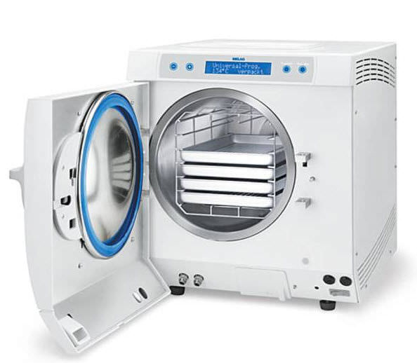 An Autoclave class B suffices to sterilise the electrodes before use.